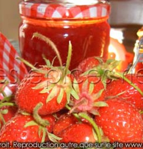 Confitures de fraises maison en 2 versions : légère ou traditionnelle