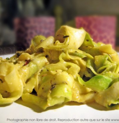Tagliatelles de courgettes au curry – coco